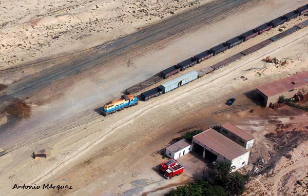 tren-de-la-snim-cansado-nouadhibou-mauritania-1