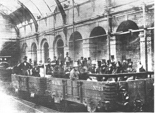 primer-tren-subterraneo-del-mundo-en-londres